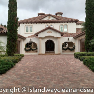 Grand Florida Home Driveway Brick Pavers